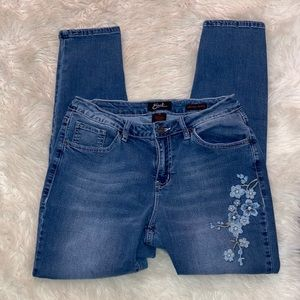 Earl Jean Skinny Ankle Embroidered Floral Size 10